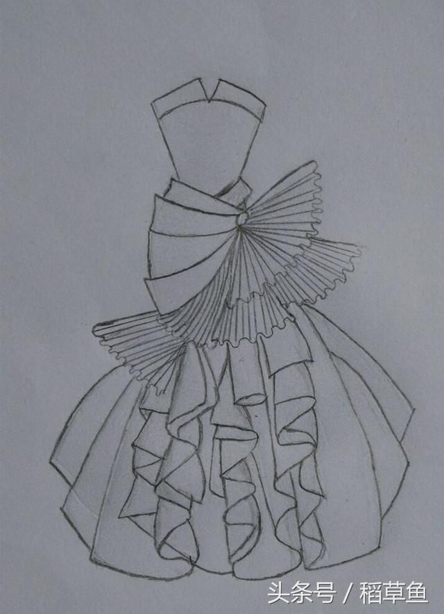 婚纱礼服裙简笔画