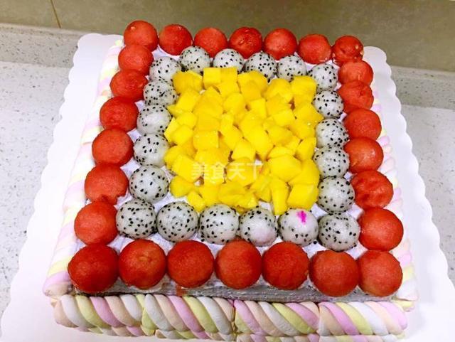 芒果夹心水果蛋糕