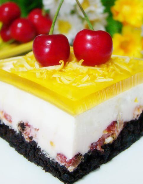 品尝更多口味的慕斯,分享一款双层慕斯——柠檬樱桃双层慕斯蛋糕