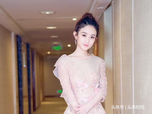 赵丽颖穿婚纱礼服