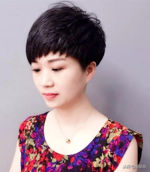 中年干练发型图片2015女