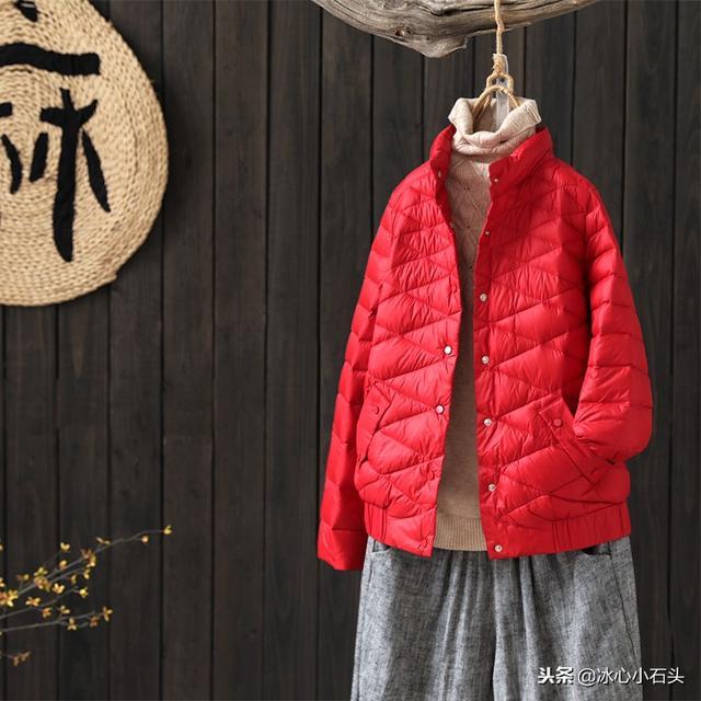 原创文艺宽松立领短款轻薄羽绒服外套冬季女装90绒羽绒服1129优惠券