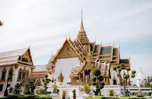 佰盛娱乐-去泰国旅游,为啥不能接美女递给你的毛巾?导游:不信你就试试!