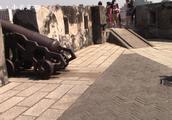 澳门的大炮台公园,就在大三巴牌坊旁边,山顶就是澳门博物馆