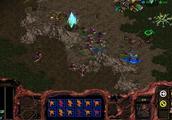「星际争霸重制版」异虫战役10-2关 在战舰龙骑的攻击下艰难存活