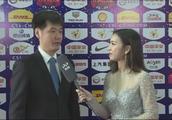 中超颁奖礼,听听操着一口标准普通话接受采访的李霄鹏都说了什么