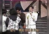 苏有朋、林志颖翻唱张学友的《吻别》,现场就是美女排队献花比拼