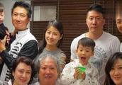 洪金宝小女儿已35岁,看起来与父亲越来越像,至今单身无人敢追!