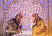 """""""娘娘驾到"""",孙悟空定睛观瞧,王母娘娘竟是一只母猴"""