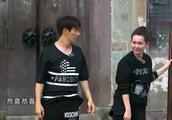 出发吧爱情:戚薇李承铉被众人戏耍,满心欢心的以为得了第一名!