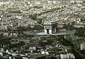 德军攻入了巴黎,将纳粹旗帜悬挂在埃菲尔铁塔,法国战败了