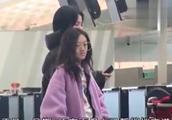 王菲带爱女香港购物,李嫣做完兔唇手术后,自信现身身形高挑!