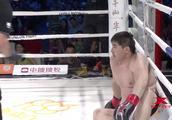 中国200斤拳王先被对手读秒,反击一拳KO上演翻盘反杀