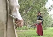 布衣神相:神捕和玉芙蓉决一死战,玉芙蓉完全不敌,但神捕放了她