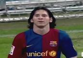 武磊西甲穿裆过人对比梅西戏耍卡纳瓦罗,两位球王惊人的相似?
