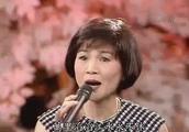 20年前凤飞飞翻唱经典歌曲《上海滩》别有风味,费玉清听醉了