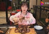 网传mini有个双胞胎姐妹两人轮着吃东西?看mini是如何说的