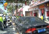 泉州:新门街非机动车道被侵占,交警开展违停整治行动