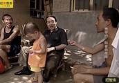 10多年前贾平凹回家乡的情景,虽然热闹很,一看就有明显差别