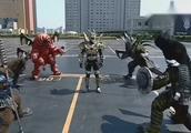 铠甲勇士:向阳路见不平一声吼,化身帝皇侠完虐四大凶兽!