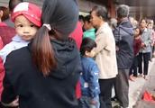 广西灵山,九毛八一斤猪肉,三块钱就得几斤了,连续两天都是这样