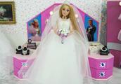 长发公主挑选婚纱礼服 芭比娃娃的唯美婚纱