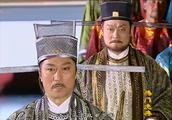 潘仁美联合奸臣,抓捕五郎入狱受刑,王爷发怒当朝打死奸臣!