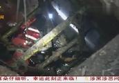 南宁:三岁男孩不慎掉入10米深井 消防员成功救出
