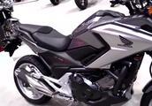 怎么区分摩托车是单离合还是双离合?