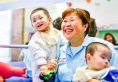 """王力宏、陶虹、吴莫愁母亲节呼吁给孤儿""""春晖妈妈""""的爱"""