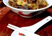 香菇炖牛排骨汤的做法