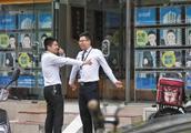 """额度紧利率提 有购房者被银行""""劝退"""":有北京学区房降200万"""