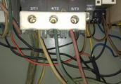 增压泵压力开关接线图压力开有四根线