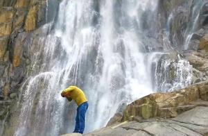 梅州丰顺龙归寨瀑布雄奇壮观,有广东黄果树瀑布、粤东第一瀑之称