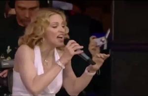 麦当娜再现经典演唱,又是一场史诗盛宴,万人粉丝欢呼,太震撼了