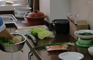重庆小面的家常做法,正不正宗不知道,反正又香又麻有滋味有卖相