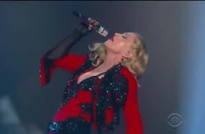 麦当娜超棒现场Living For Love (2015格莱美) 现场版 - Madonna