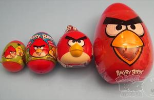 愤怒的小鸟惊喜鸡蛋学习大小,大,最大!用玩具和糖果打开鸡蛋