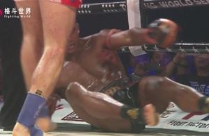 泰国拳王播求史上最惨的一场比赛,被打的全身血迹!