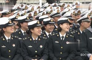 海军博士女舰长韦慧晓精彩回复网友提问:为什么40岁还没结婚?