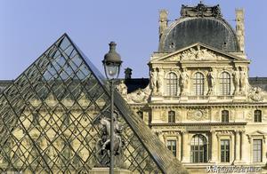 介绍介绍,卢浮宫里面的《书吏坐像》,怀念一下巴黎圣母院