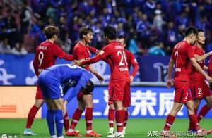 裁判專家:上海申花球員吳毅臻破門無效!廣州恒大點球被取消正確