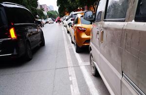 郑州经一路停车位乱收费追踪:三类区域按二类喷涂编码误导市民