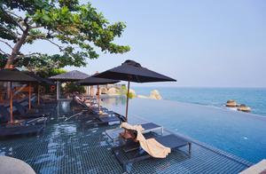 到泰国苏梅岛旅游,如果不住一晚海边的泳池别墅,岂不就白来了?