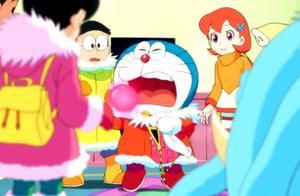 看到金圈圈被叼走了,哆啦A梦亮出了法宝,随后尴尬了:手好疼啊