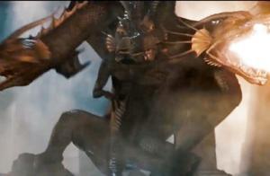 几分钟看完电影《木乃伊3》,男子饮用不老泉水,化身成三头巨龙