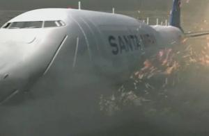 鲨卷风2:机长被鲨鱼吃了,小伙赶忙开飞机平稳降落