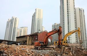 什么是非法强拆呢,暴力征地拆迁会承担什么法律后果?