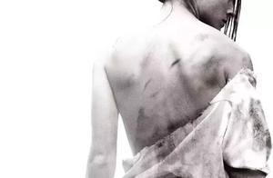 今天小编给大家推荐的电影是《我唾弃你的坟墓》,2010年犯罪电影