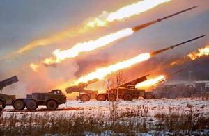 内讧了?俄军在叙利亚用火箭弹炮击盟友,死伤惨重,西方拍手叫好!